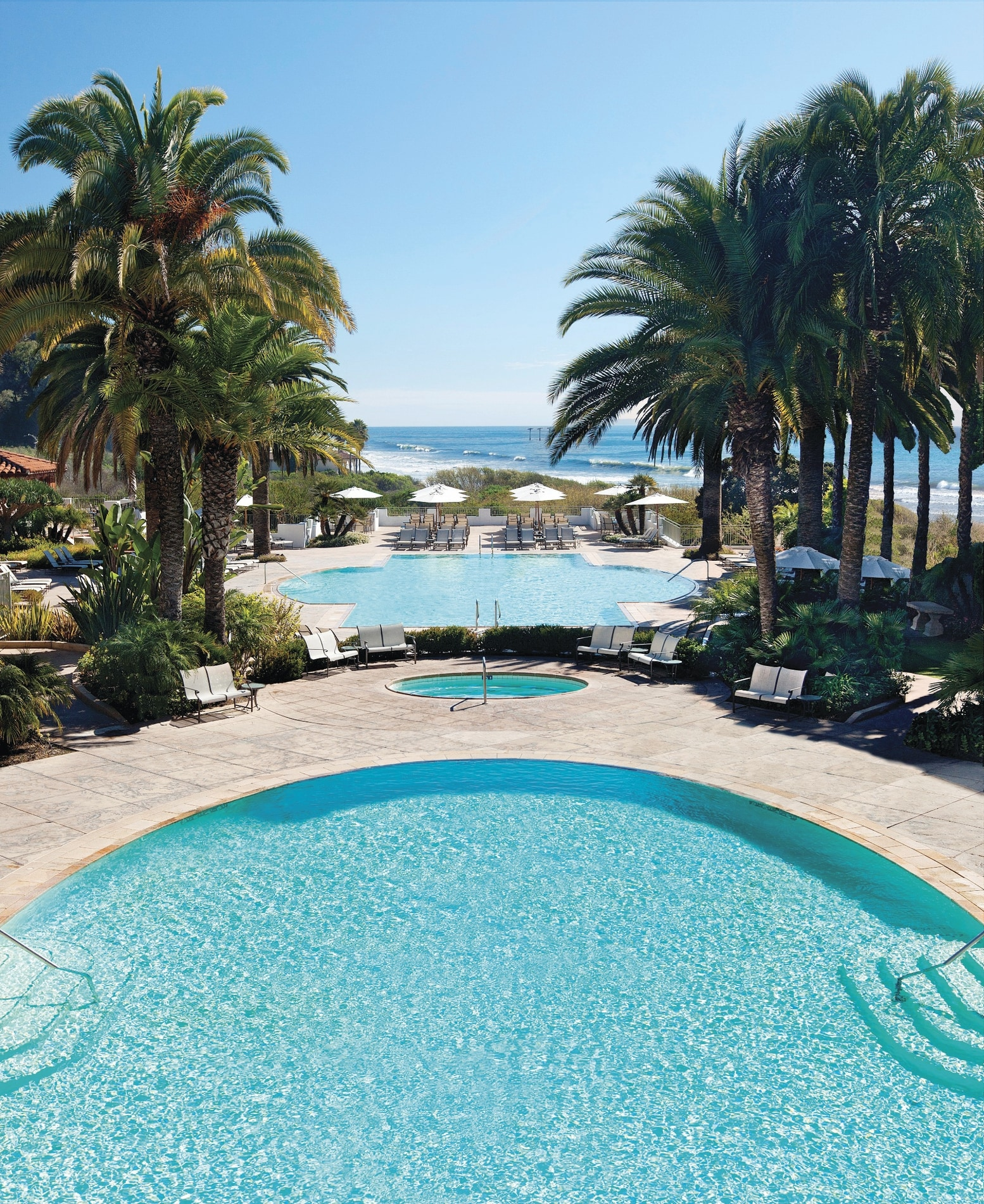 Pool_Daytime_The_Ritz-Carlton_Bacara,_Santa_Barbara.jpg